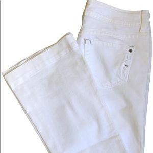 Genetic denim White flare Jeans Size 27